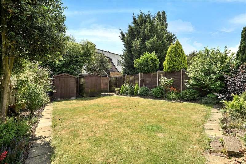 4 Bedrooms Semi Detached House for sale in Beechwood Gardens, Harrow, Middlesex, HA2