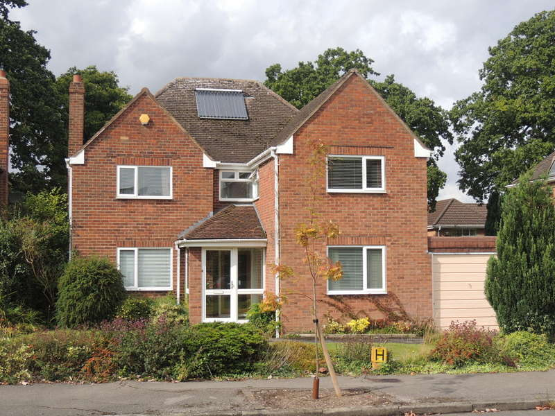 4 Bedrooms Detached House for sale in Rodborough Road, Dorridge, Solihull