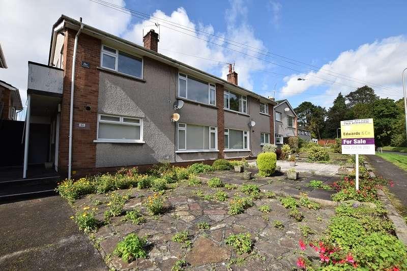 2 Bedrooms Ground Maisonette Flat for sale in Heol Hendre , Rhiwbina, Cardiff. CF14 6PJ