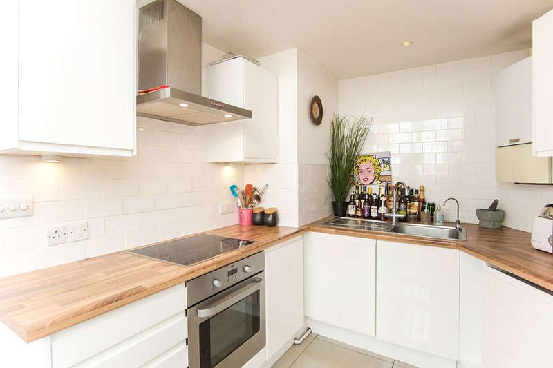 1 Bedroom Flat for sale in Barking Road, London, E13