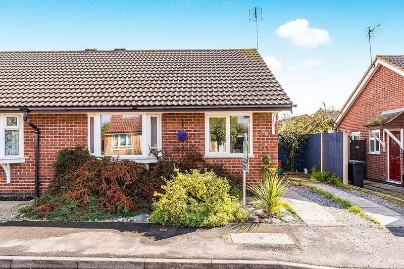 2 Bedrooms Semi Detached Bungalow for sale in Brosdale Drive, Hinckley, LE10