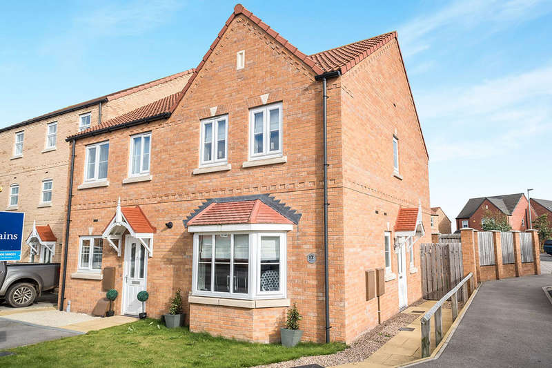 3 Bedrooms Semi Detached House for sale in Clarke Avenue, Dinnington, Sheffield, S25