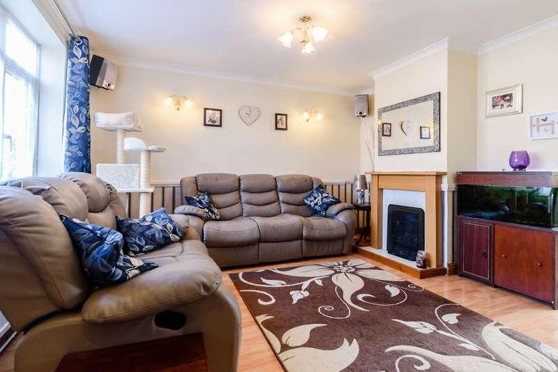 3 Bedrooms Terraced House for sale in Trelawney Avenue, Langley, Berkshire, SL3 8RN