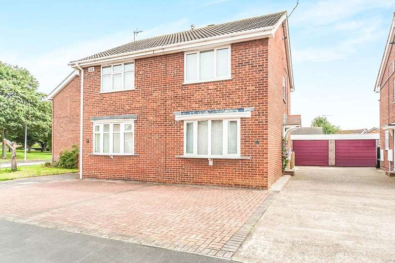 2 Bedrooms Semi Detached House for sale in Sperrin Close, Hull, HU9