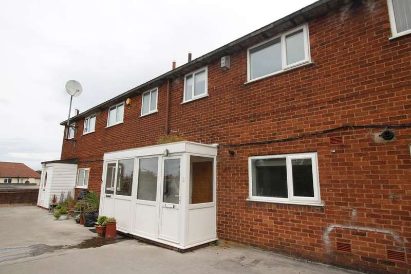2 Bedrooms Flat for rent in Pensby Road, Heswall, Wirral, CH61
