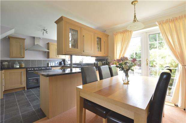 3 Bedrooms Semi Detached House for sale in Newtown,TEWKESBURY, Gloucestershire, GL20 8EL