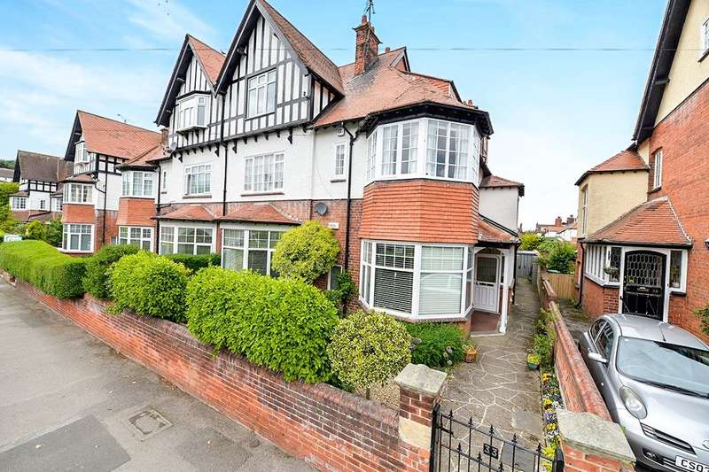 3 Bedrooms Flat for sale in Holbeck Avenue, Scarborough, YO11