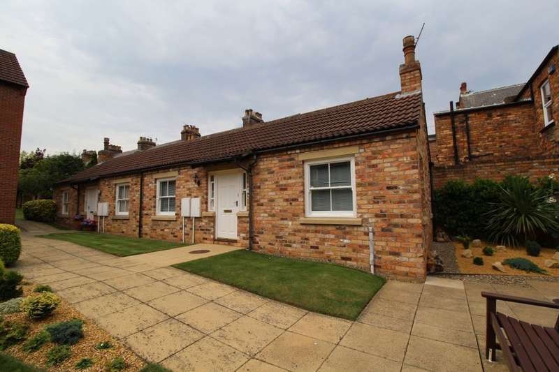 1 Bedroom Semi Detached Bungalow for sale in Strawberry Court, Scarborough, YO12