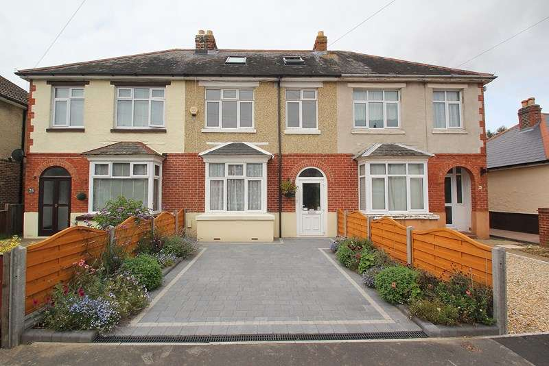 4 Bedrooms Terraced House for sale in Nelson Avenue, Fareham