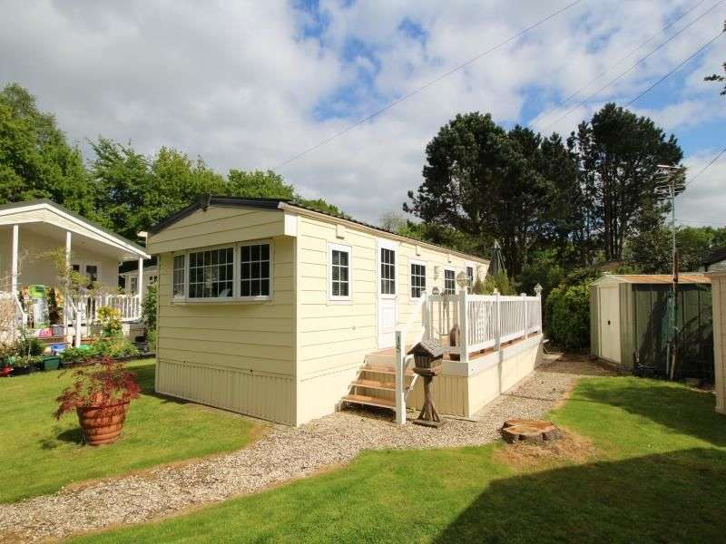 2 Bedrooms Bungalow for sale in Wizard Country Park Bradford Lane, Nether Alderley, Macclesfield, SK10