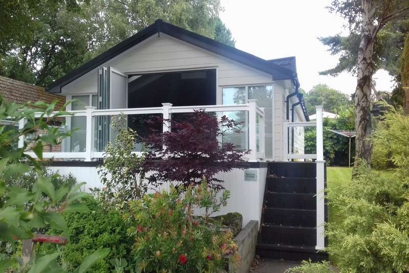 2 Bedrooms Detached Bungalow for sale in Wizard Country Park Bradford Lane, Nether Alderley, Macclesfield, SK10