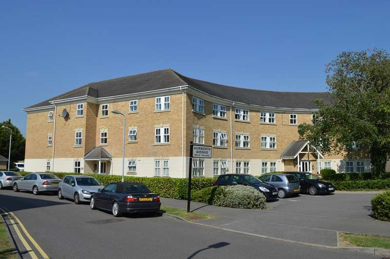 2 Bedrooms Flat for sale in Hurworth Avenue, Langley, SL3