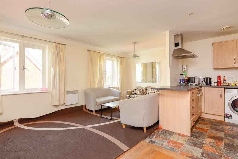 2 Bedrooms Apartment Flat for sale in Old Watling Street, Canterbury, CT1