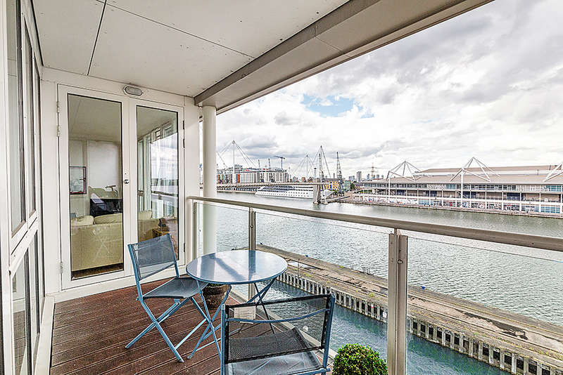 2 Bedrooms Apartment Flat for sale in Eastern Quay, Rayleigh Road, Silvertown, E16