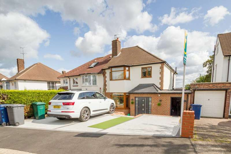 4 Bedrooms Semi Detached House for sale in Hillside, New Barnet, EN5