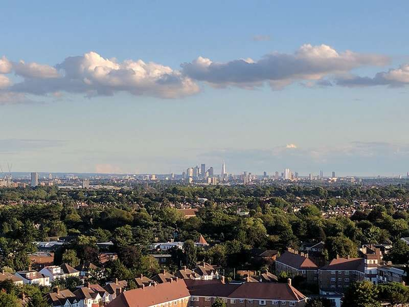 2 Bedrooms Apartment Flat for sale in Pinnacle House, 6A Colman Parade, Enfield, London, EN1 1FY