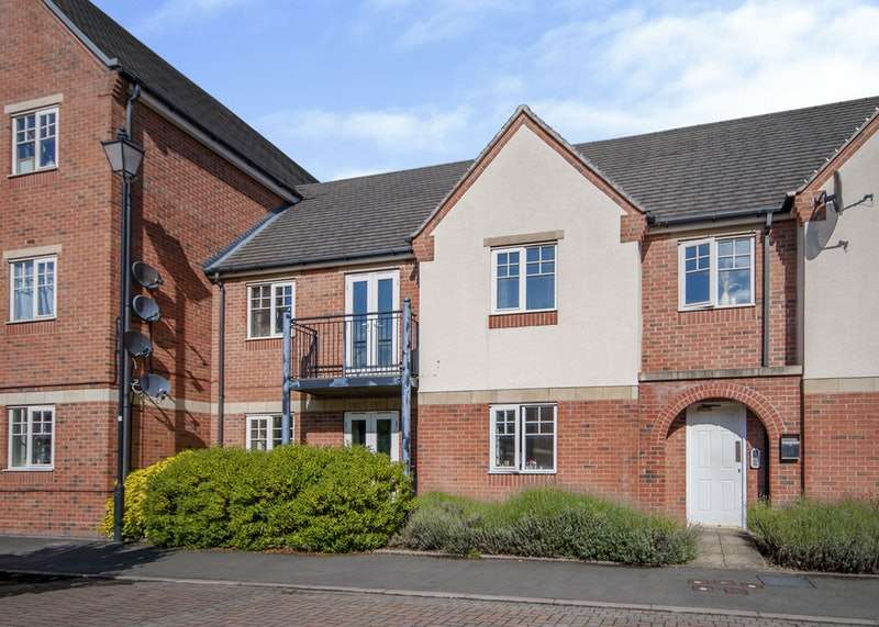 2 Bedrooms Apartment Flat for sale in Caroline Court, Burton Upon Trent, Staffordshire, DE14