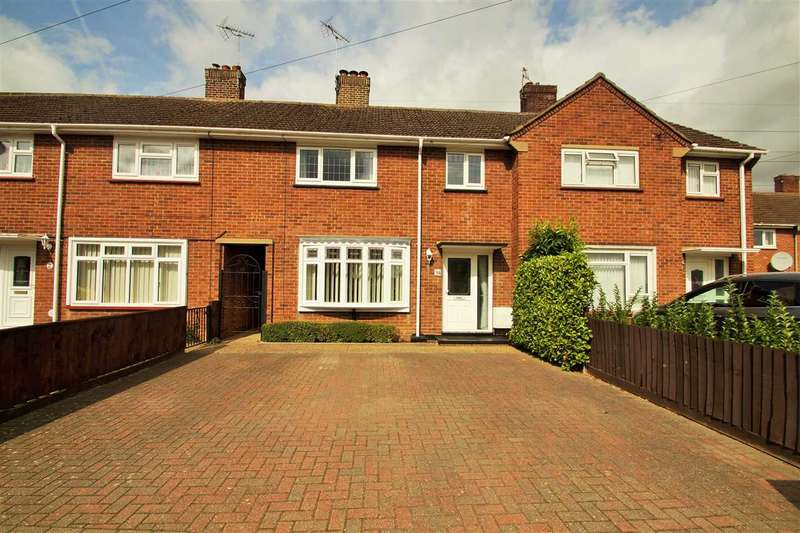 3 Bedrooms Terraced House for sale in Coronation Avenue, Monkwick, Colchester