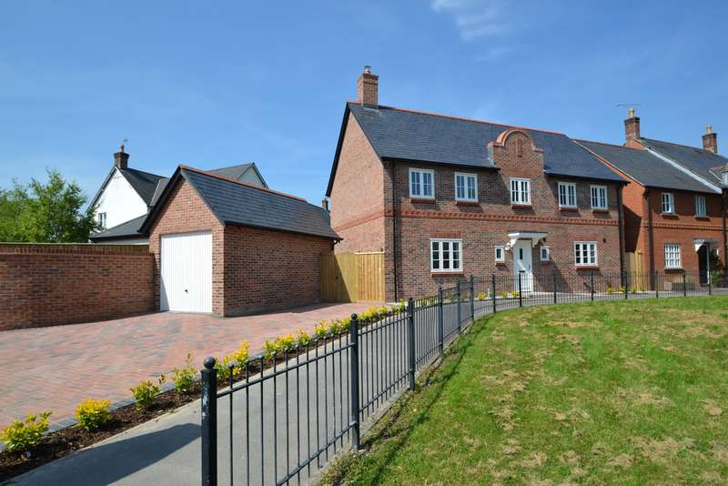 4 Bedrooms Detached House for sale in Charlton Down