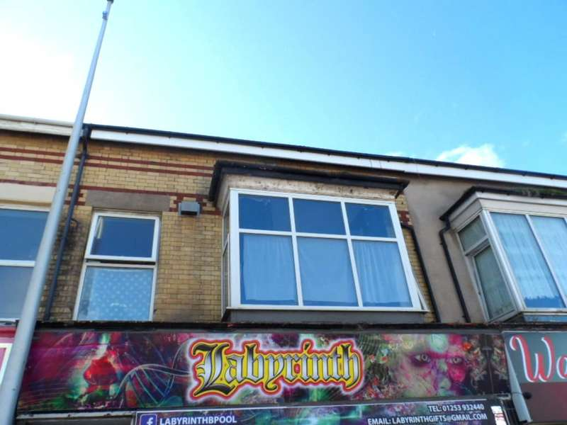 2 Bedrooms Flat for sale in Waterloo Road, Blackpool, FY4 1AD