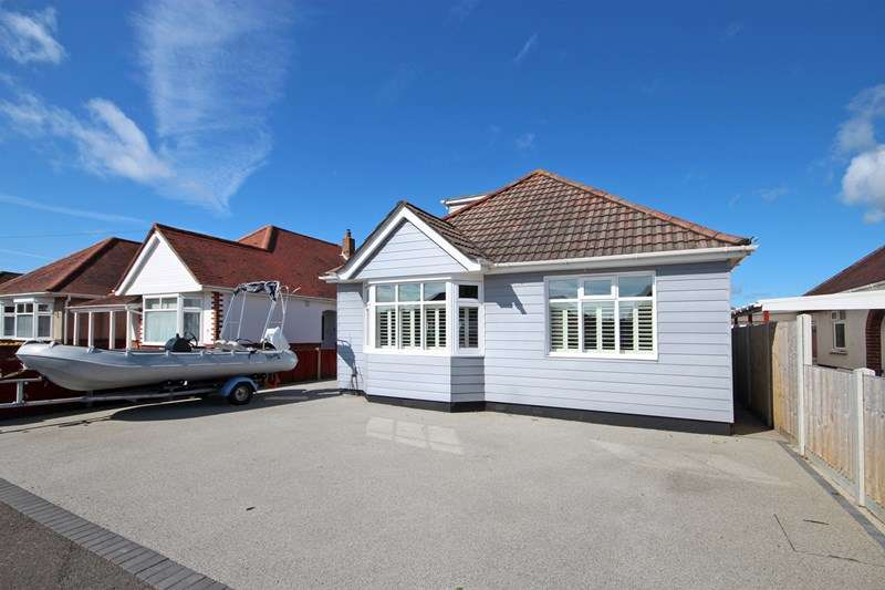 4 Bedrooms Chalet House for sale in Cranleigh Gardens, Southbourne, Bournemouth