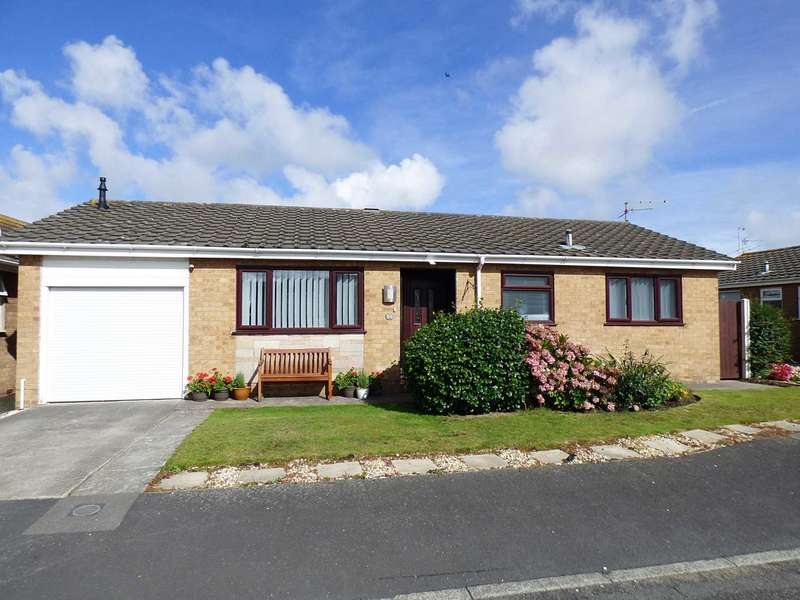 2 Bedrooms Detached Bungalow for sale in Holcroft Place, South Park, Lytham