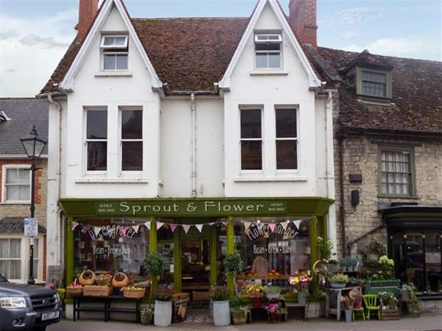 Shop Commercial for sale in The Square, Mere