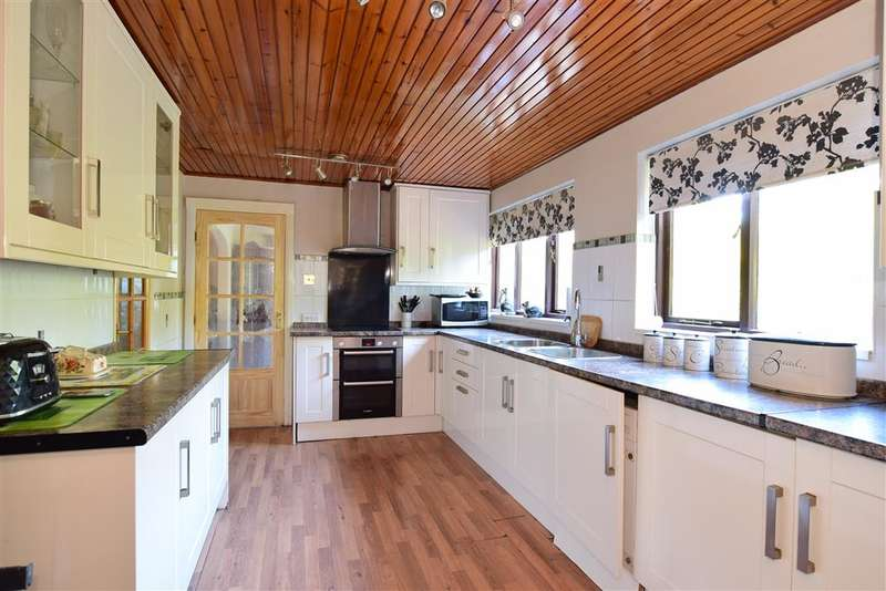 5 Bedrooms Detached House for sale in Prince William Close, Findon Valley, Worthing, West Sussex