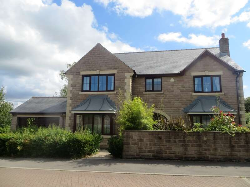 5 Bedrooms Detached House for sale in Greenacre Gate, Huddersfield, West Yorkshire, HD8