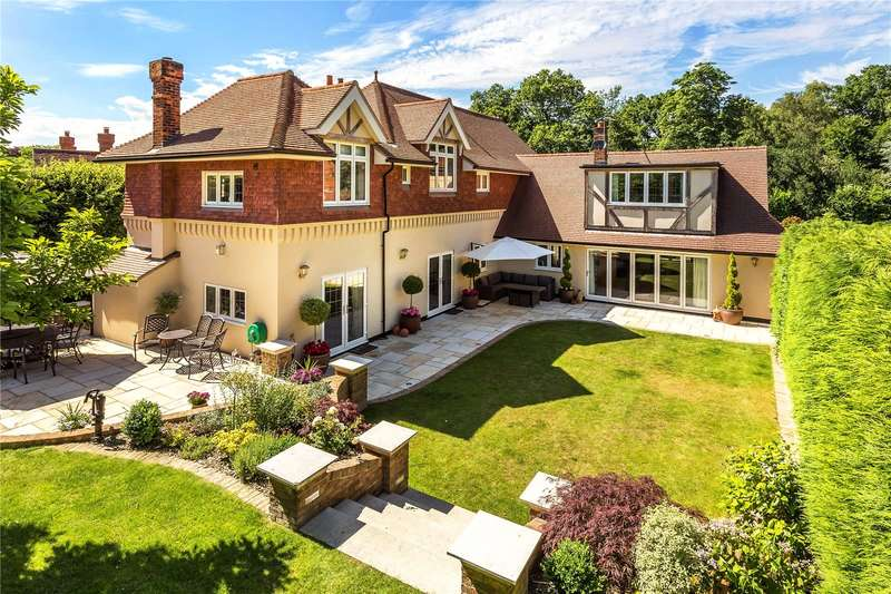 4 Bedrooms Detached House for sale in Chapel Road, Oxted, Surrey, RH8