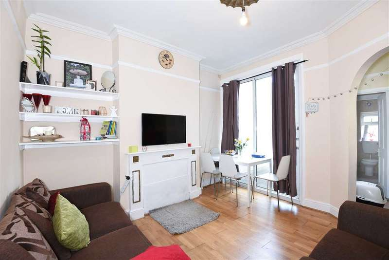 2 Bedrooms Maisonette Flat for sale in Welldon Crescent, Harrow