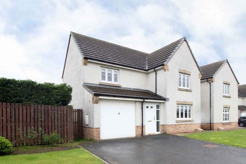 4 Bedrooms Detached Villa House for sale in Fieldfare View, Dunfermline, Fife, KY11 8FY
