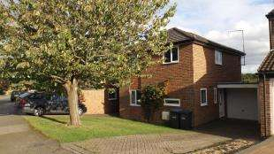 3 Bedrooms Detached House for sale in Aviary Way, Crawley Down, West Sussex