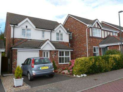 4 Bedrooms Detached House for sale in Paignton, Devon