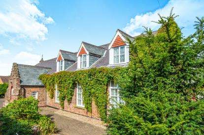 6 Bedrooms Detached House for sale in Terrington St. Clement, King's Lynn, Sutton Road