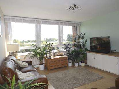 1 Bedroom Flat for sale in Kessock Close, London