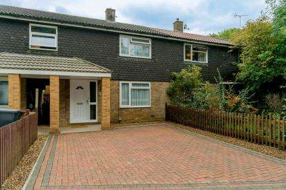 3 Bedrooms Terraced House for sale in Harefield, Stevenage, Hertfordshire, England