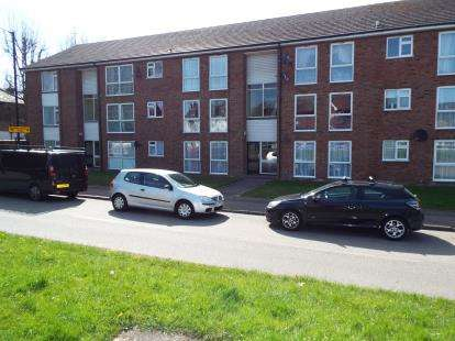 2 Bedrooms Flat for sale in South Ordnance Road, Enfield