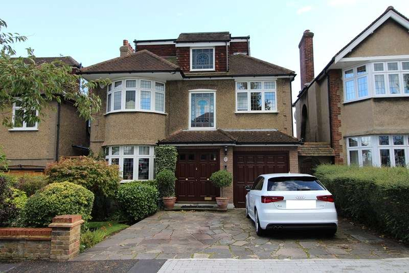 5 Bedrooms Detached House for sale in Northumberland Road, New Barnet