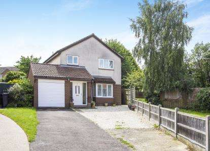 4 Bedrooms Detached House for sale in Christchurch, Dorset, 9 Frobisher Close