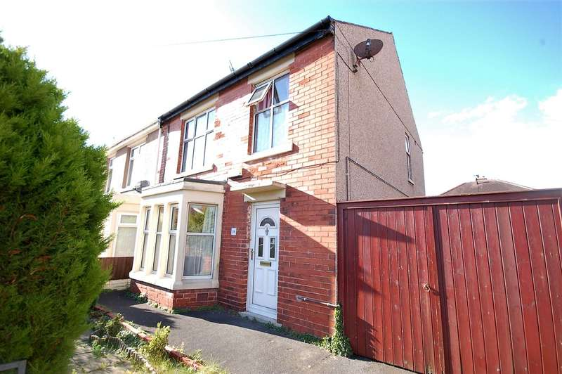 3 Bedrooms Semi Detached House for sale in Belvere Avenue, Blackpool