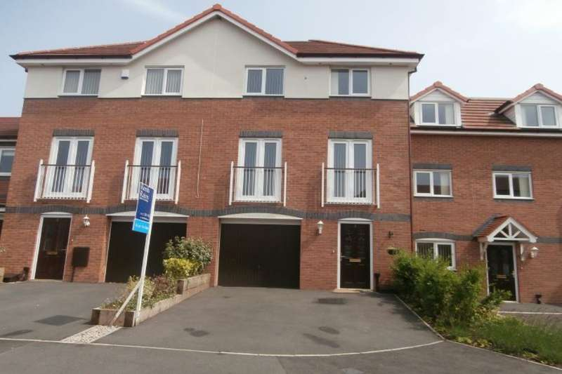4 Bedrooms Terraced House for sale in Castle Court, Hoghton, Preston, PR5