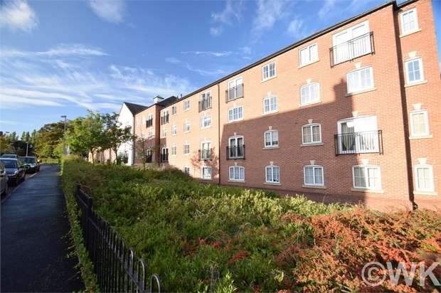2 Bedrooms Flat for sale in Harrington Croft, WEST BROMWICH, West Midlands