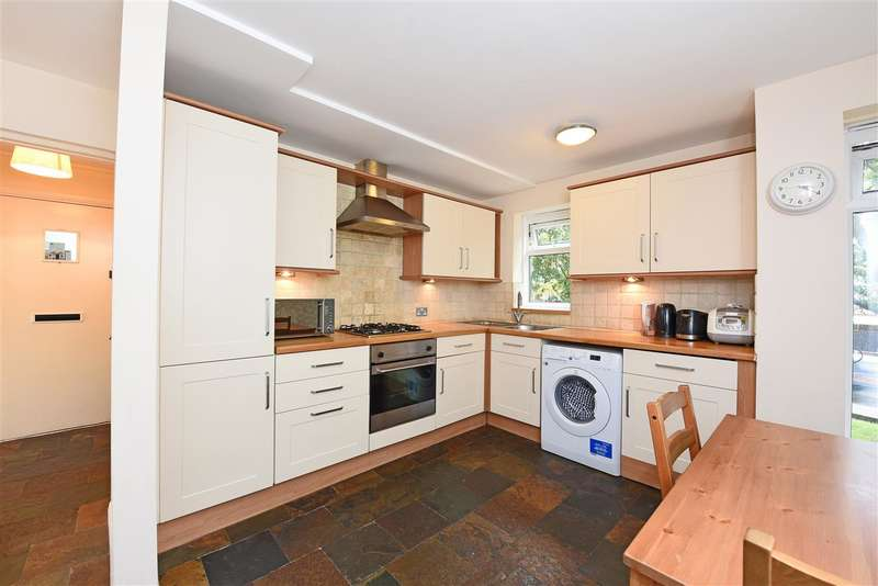 1 Bedroom Apartment Flat for sale in Farnham Gardens, Raynes Park