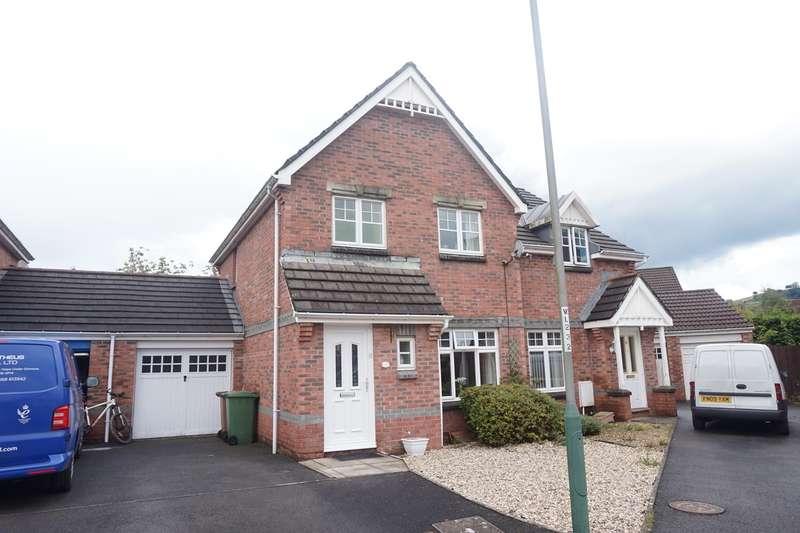 3 Bedrooms Semi Detached House for sale in Stryd Hywel Harris, Ystrad Mynach, Hengoed, CF82