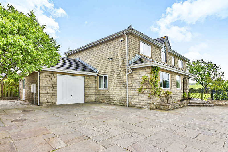 5 Bedrooms Detached House for sale in Rossendale Road, Burnley, BB11