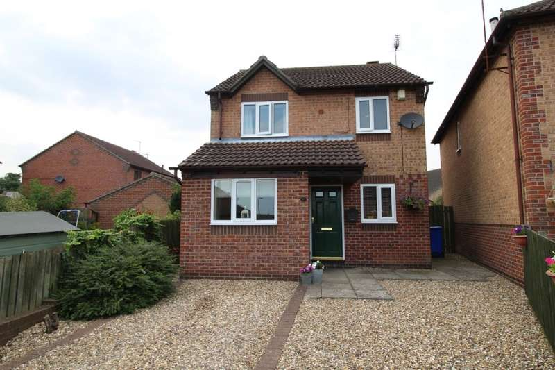 3 Bedrooms Detached House for sale in Southfield Close, Driffield, YO25