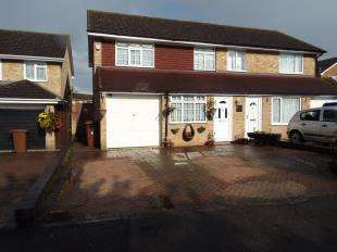 3 Bedrooms Semi Detached House for sale in Battlesmere Road, Cliffe Woods, Kent