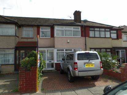 3 Bedrooms Terraced House for sale in Charlton Road, London