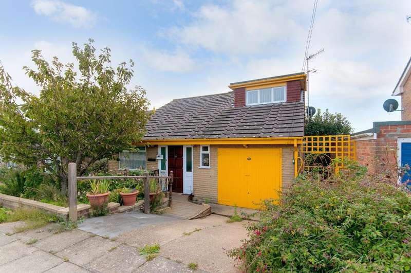 4 Bedrooms House for sale in Sherwood Road, Seaford, BN25 3ED